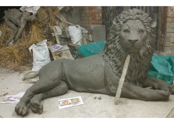 Fiberglass Lion Clay Work