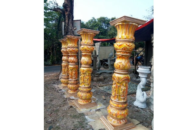 Fiberglass pillars in yellow Finish
