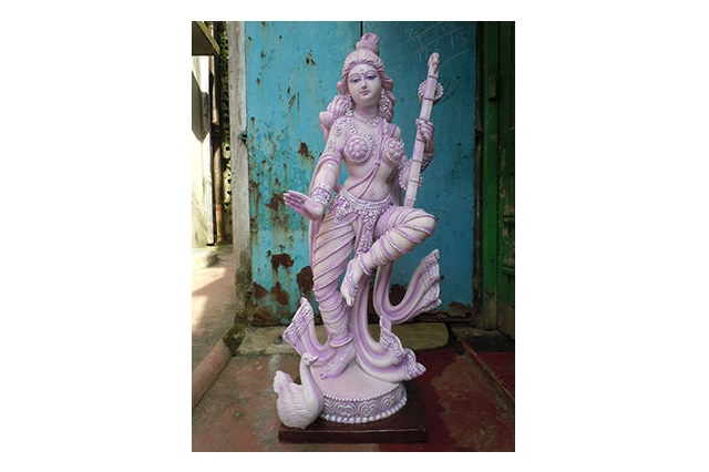 Fiber Maa Saraswati Statue