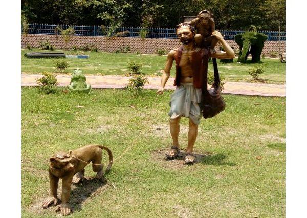 Fiberglass Madari Statue'