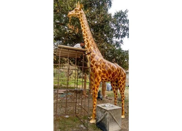 Fiberglass Giraffe Sculpture