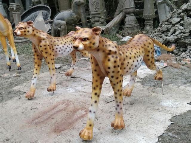 Fiberglass Animal Statues