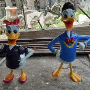 Donald Duck Cartoon Statue