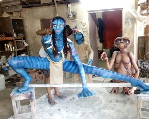 Fiber cartoon statue Avtar and jadu