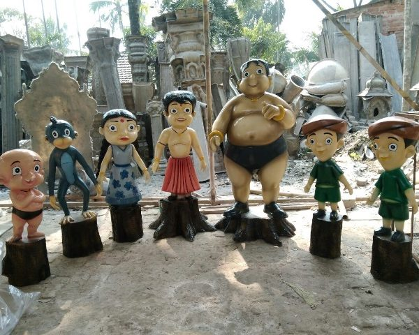 Chota Veem and Family Cartoon Statues
